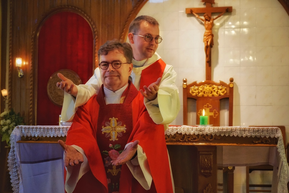 Episkopaler Hattrick