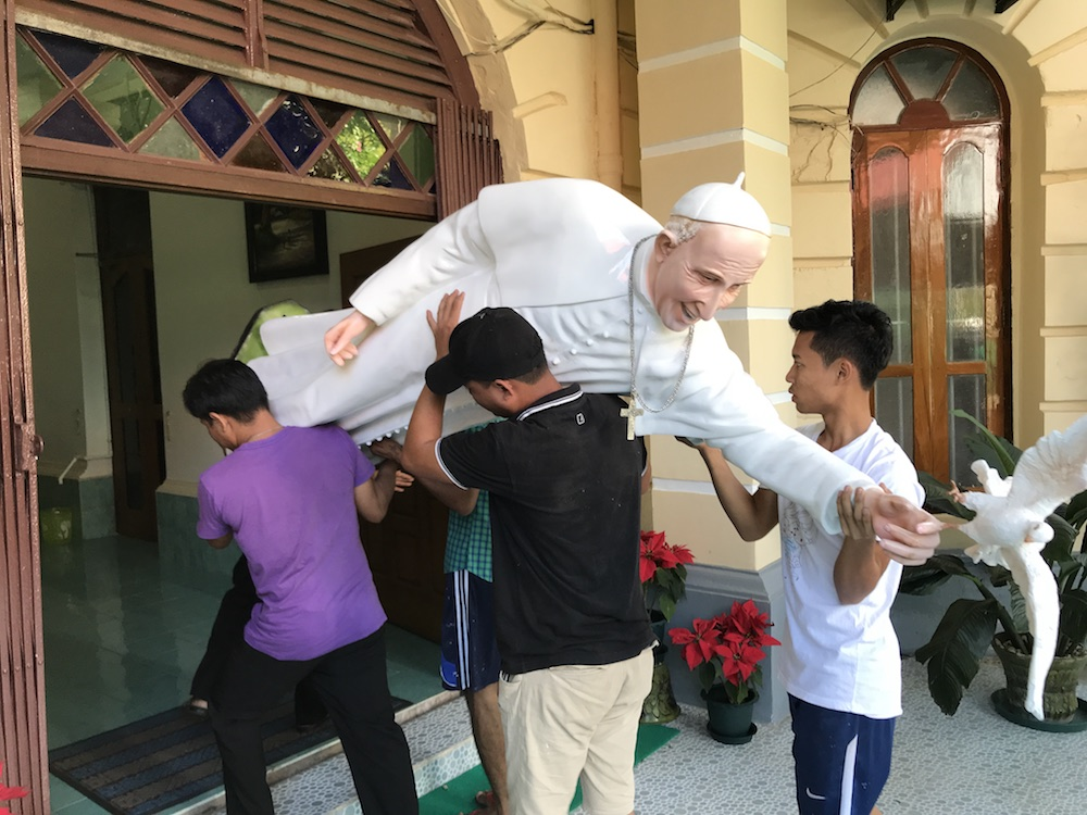 Ein Papst in Burma