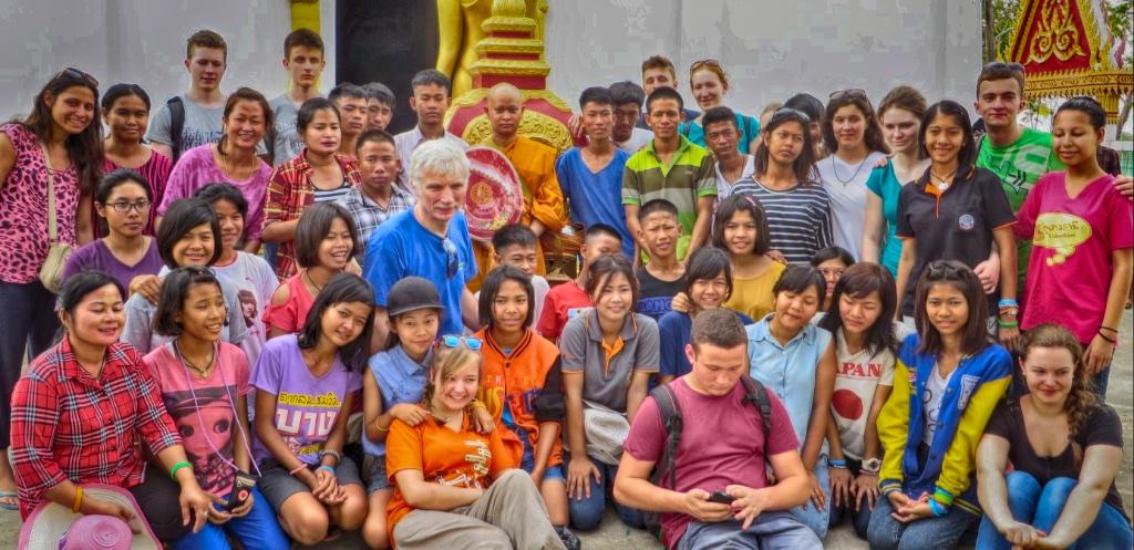 Besuch vom Antonius-Kolleg Jugendgottesdienst und Brezelsonntag