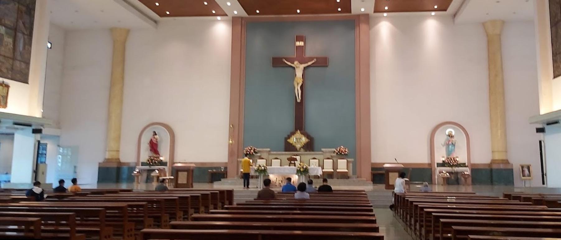 Gottesdienst in neuer Kirche
